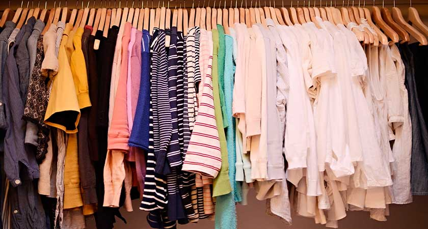 Могут ли клопы жить в одежде – есть ли повод для паники