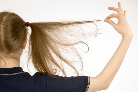 Девочка с длинными волосами